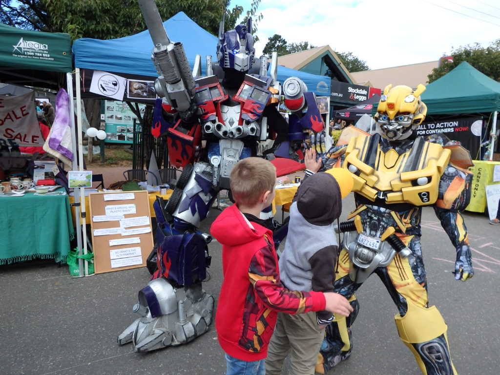 Kids being wowed by Transformers of Melbourne