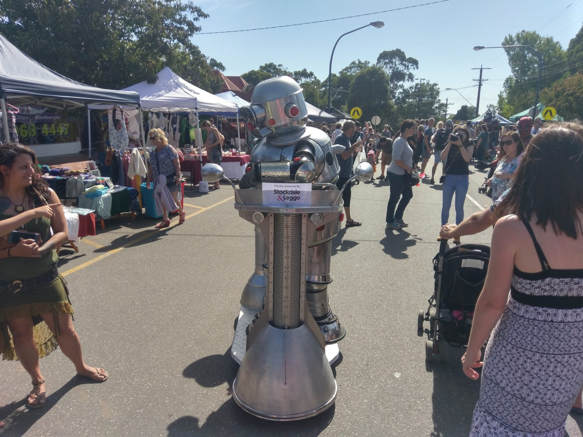 Tubby the robot entertains the crowd